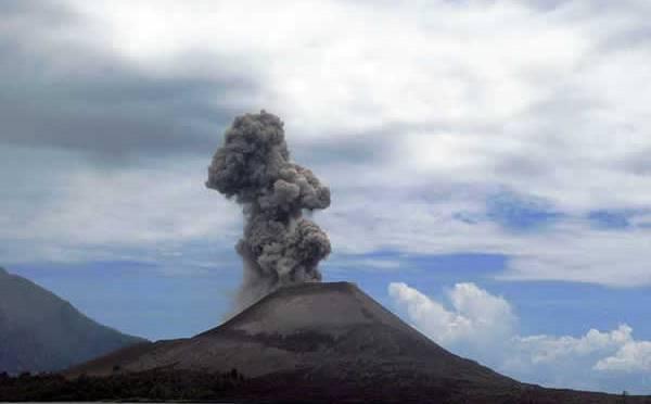 1883. Le volcan Krakatoa explose et fait 36.000 victimes