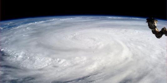 Image satellite du typhon Haiyan, depuis l'ISS.
